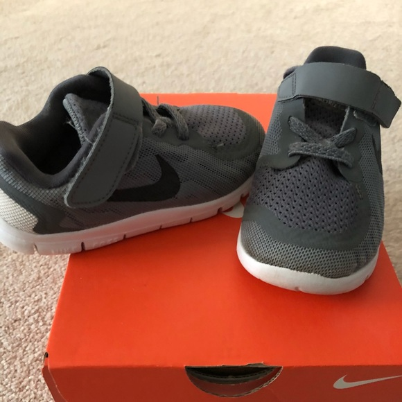 Nike free run toddler shoes
